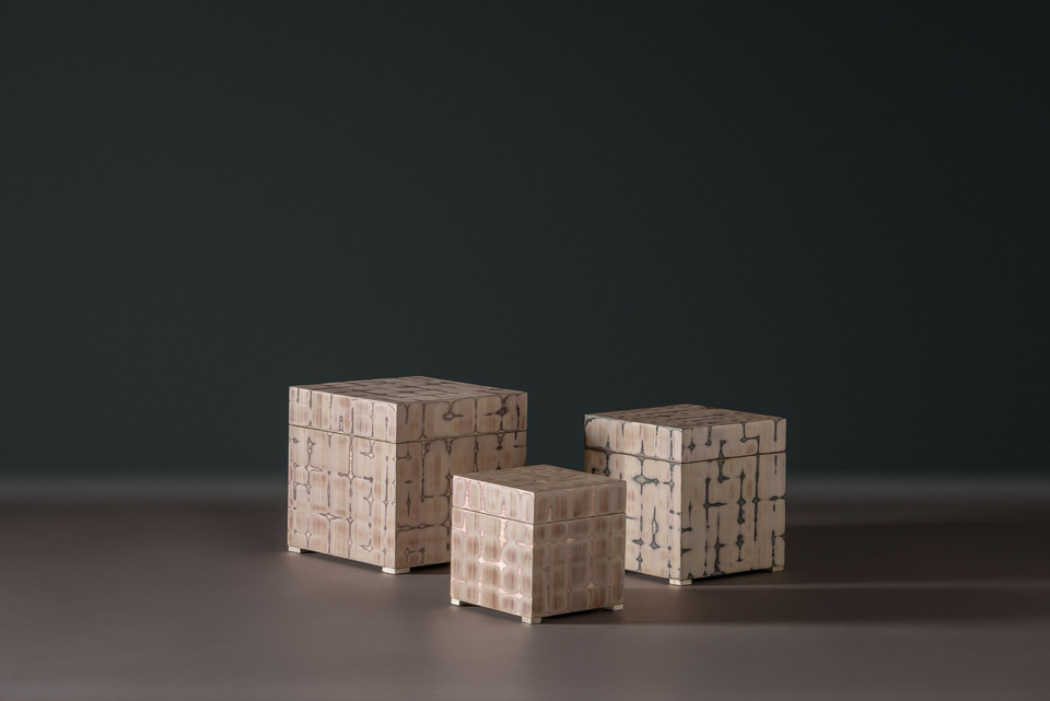 FG004230, FG004229, FG004228, Mantle, Boxes